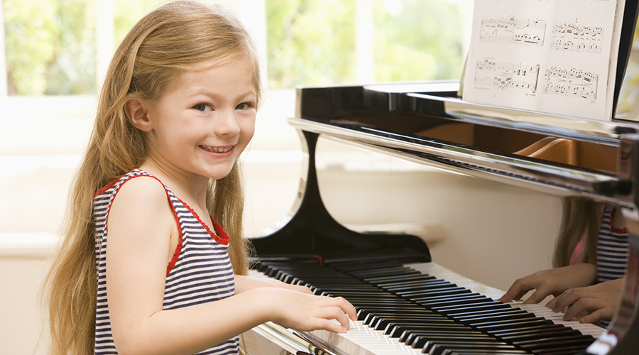 What Age Should My Child Start Piano Lessons?