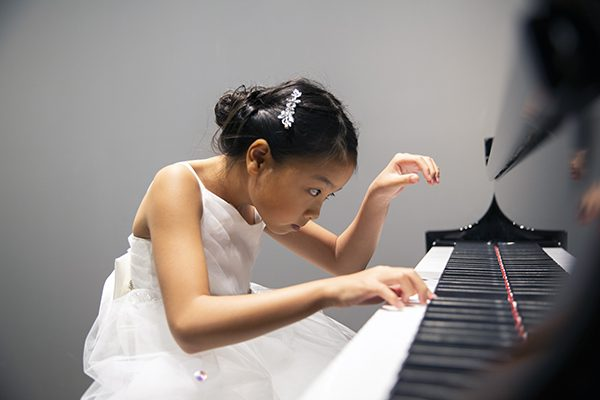 5 Ways Piano Competitions Benefit Students